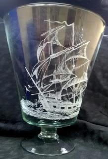 Un bel vaso diventa un oggetto unico con l'incisione personalizzata del soggetto che preferite